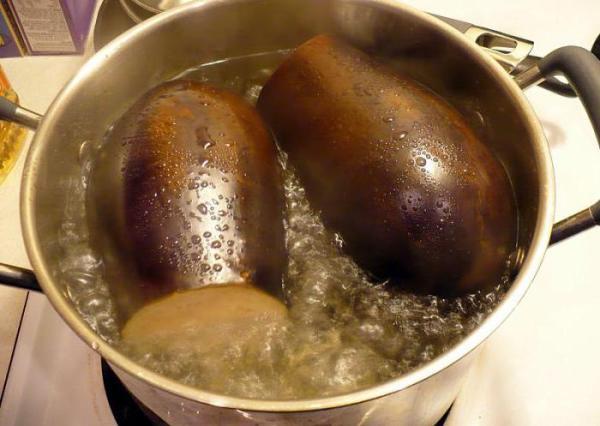 Сколько варить баклажаны до готовности?
