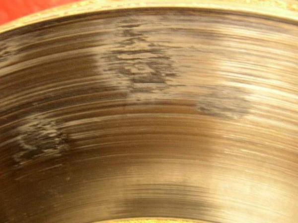 При торможении стук: возможные причины, устранение неполадок и рекомендации