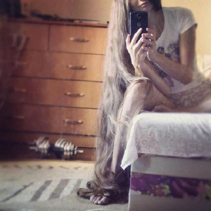 Настоящая Рапунцель: эта девушка не стригла волосы 13 лет!