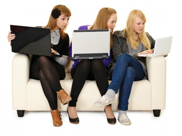 Прекращайте, дамы: 10 вещей, которыми не стоит делиться в соцсетях