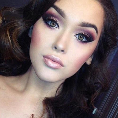 Какой подойдет макияж для зеленых глаз и темных волос?