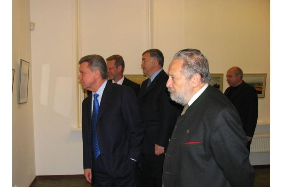 Антон Юрьевич на выставке
