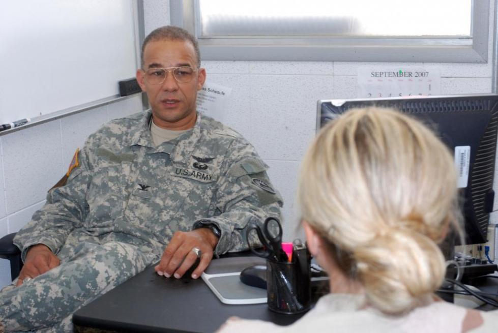 Военный и психолог.