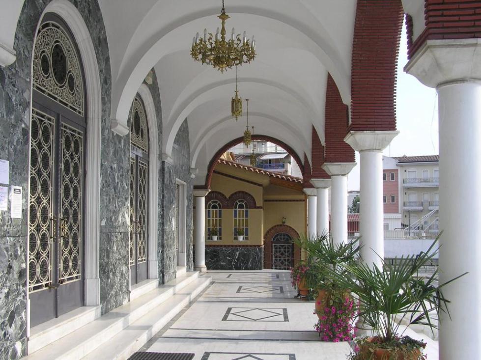 Церкви в г. Лариса (Греция)