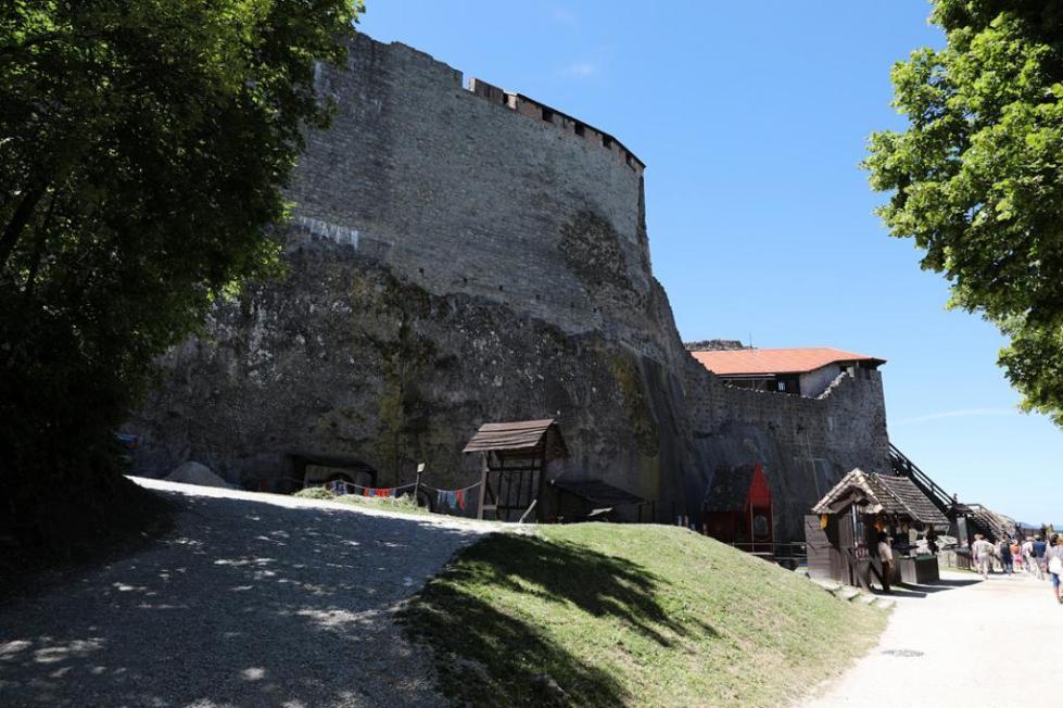 Замок Дракулы в Венгрии