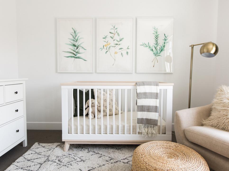 Идеальное место для детской кроватки с маятником