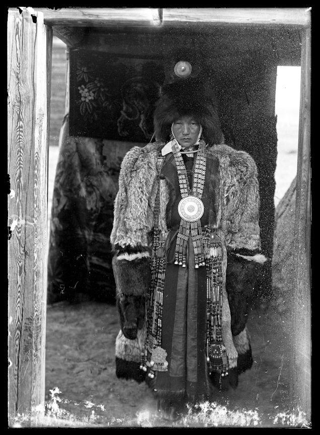 Старинный костюм