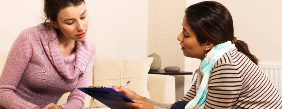 Психолог с клиенткой