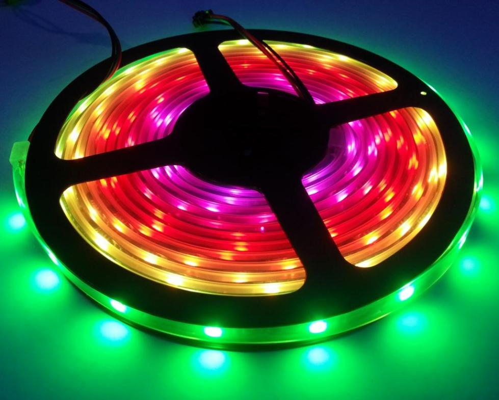 Трехцветная светодиодная лента