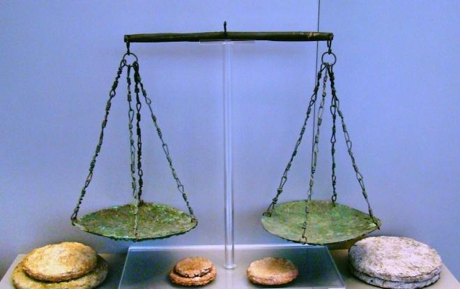 Весы и медь