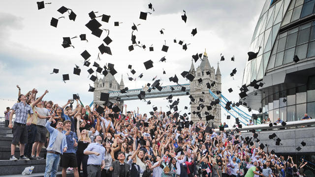 Получение диплома в Лондоне