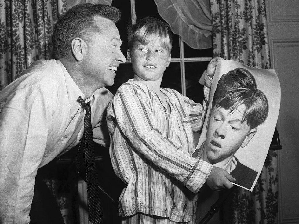 Микии Руни с сыном Тедди
