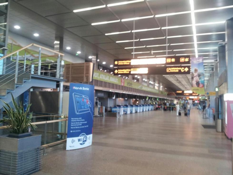 внутри терминала рижского аэропорта