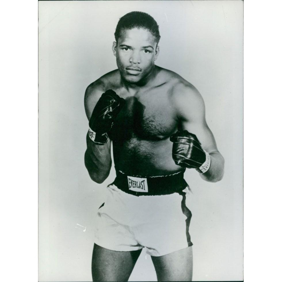 Гил Тернер в боксерской стойке