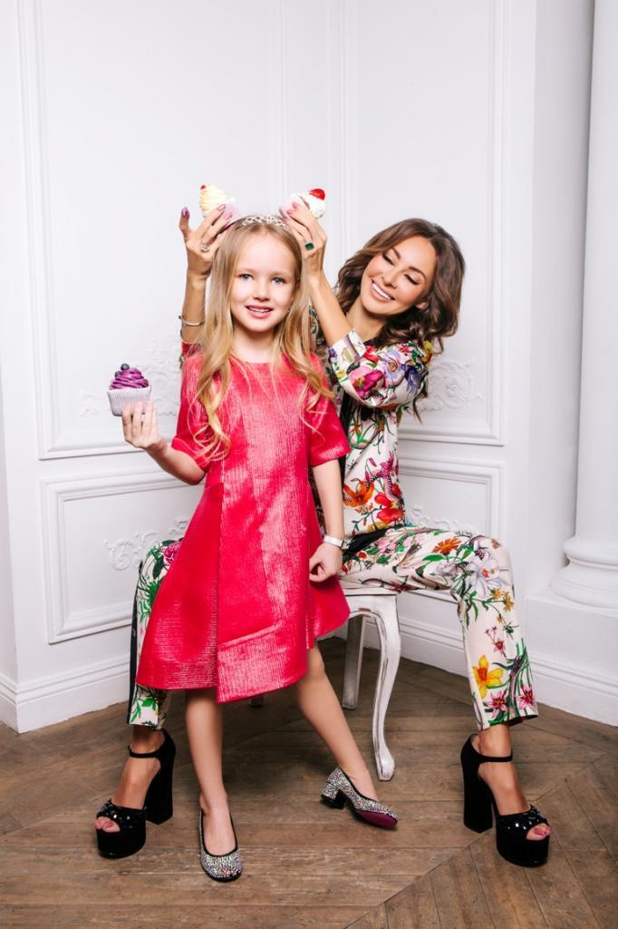 Вероника с дочерью
