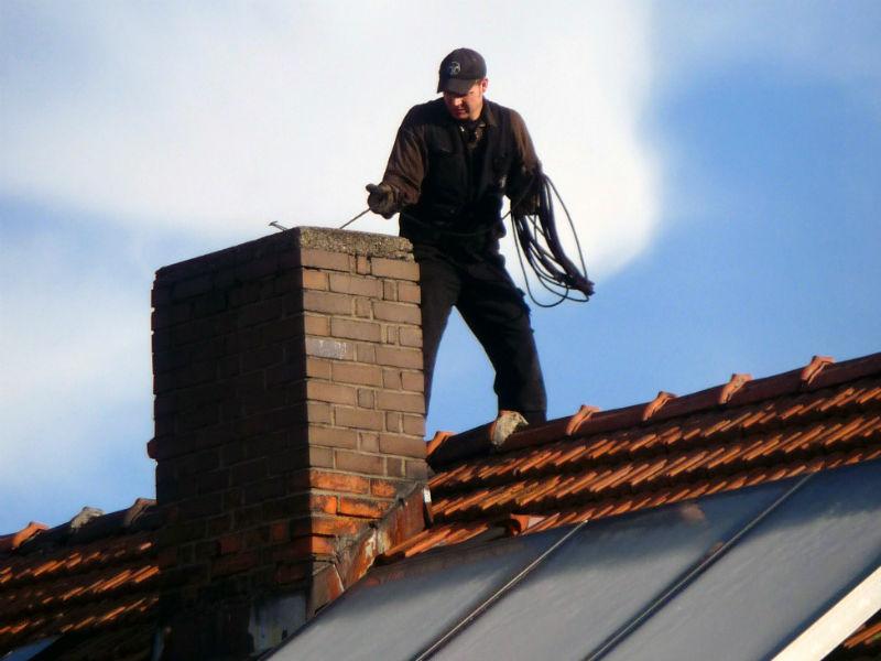 Как почистить дымоход в частном доме