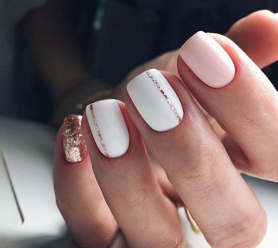Свадебный розовый маникюр