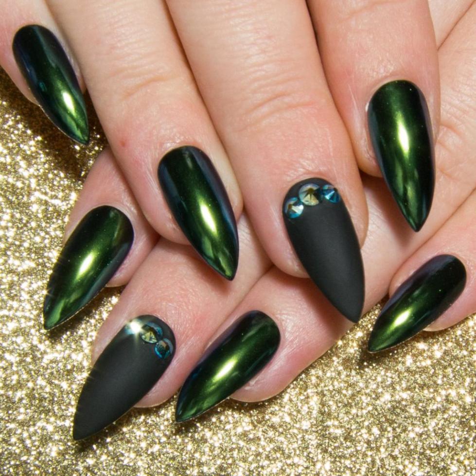 маникюр черный с зеленым фото