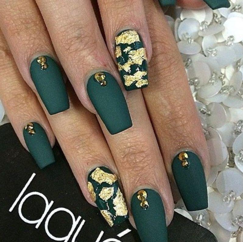 отпечаток фольги на ногтях