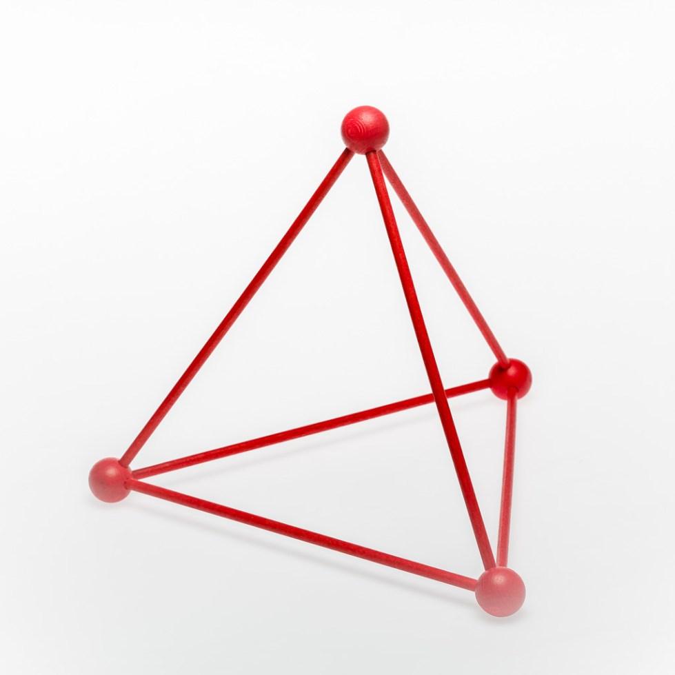 Объем треугольной пирамиды