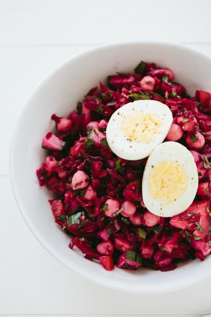салат из свеклы, с яйцом и морковью