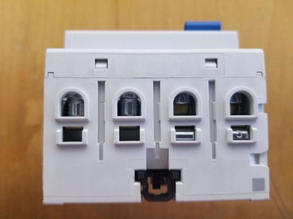 От способа фиксации провода тоже многое зависит