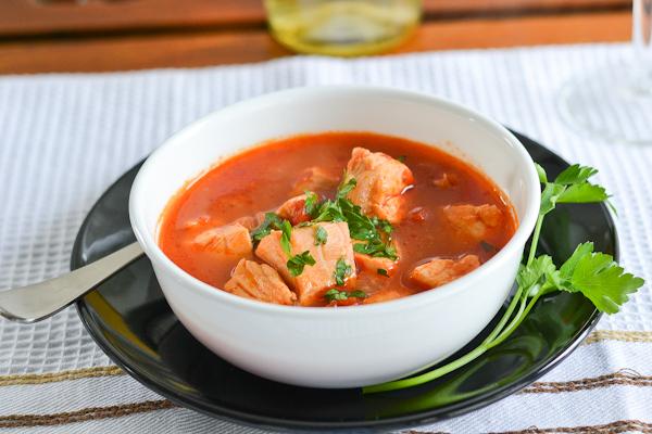 Рыбный суп с томатом