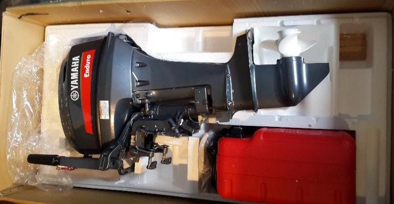 Двигатель Ямаха Эндура в упаковке