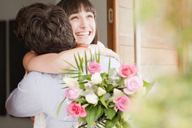 Почему парень не дарит цветы