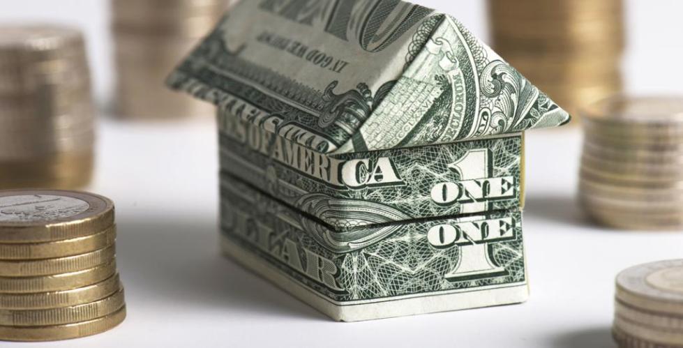 Домик из денег