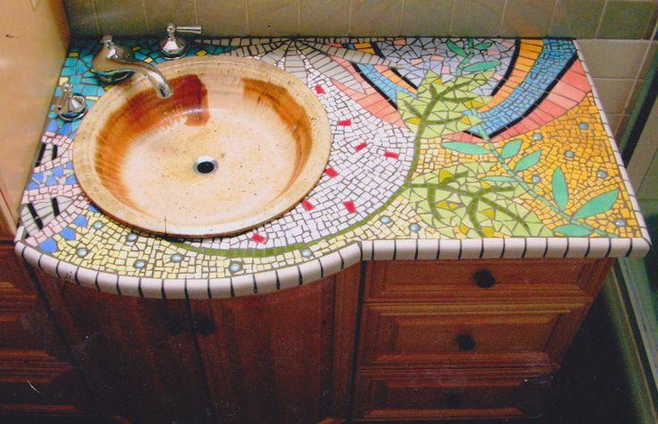 столешница для ванной комнаты покрытая мозаикой