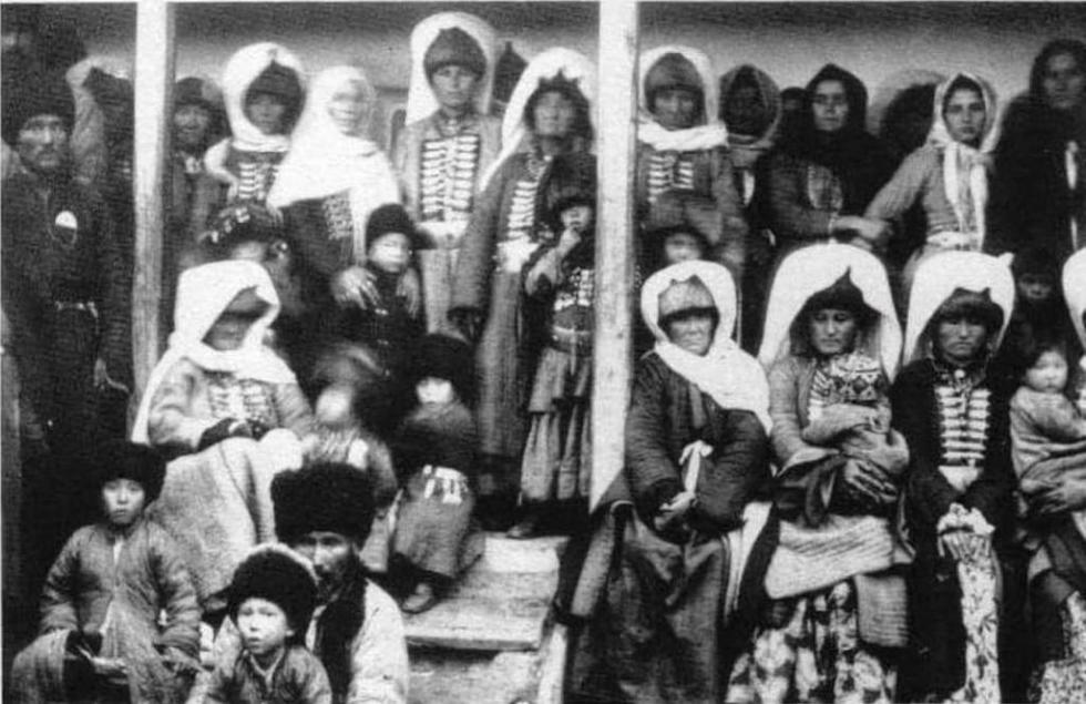 ногайцы в национальных костюмах