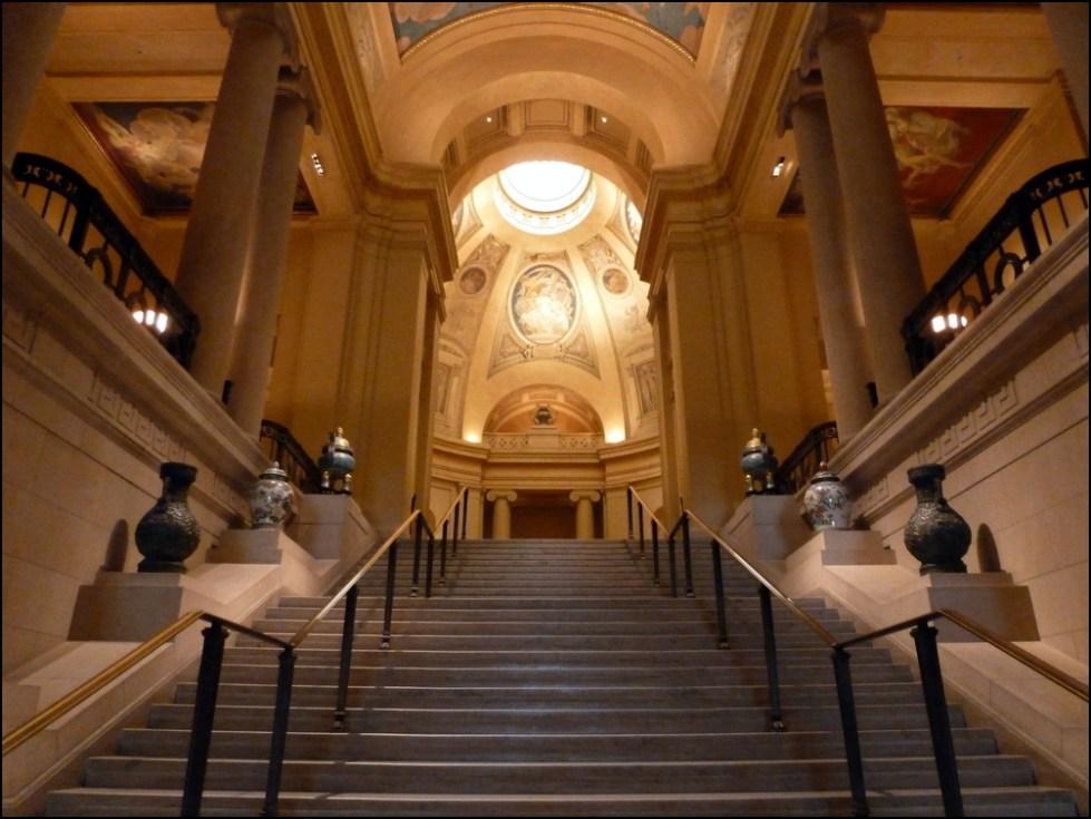 Лестница в музее