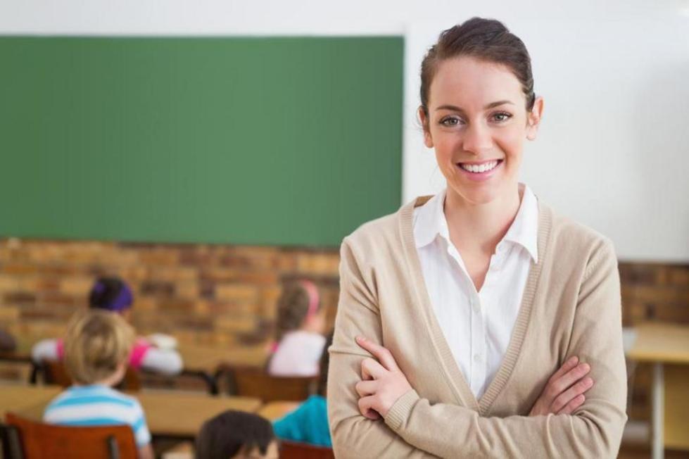 Учитель в кабинете