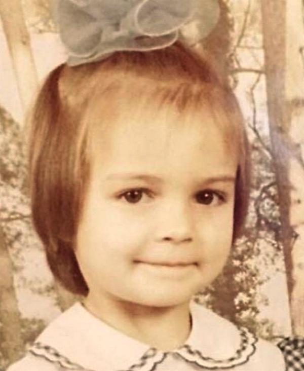 Марина в детстве