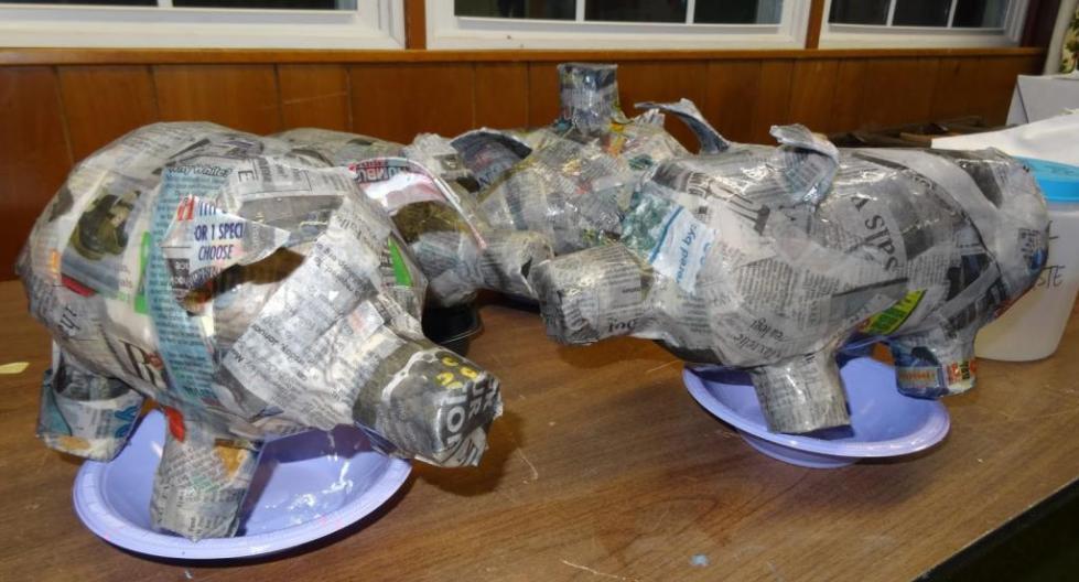 Свинки из папье-маше