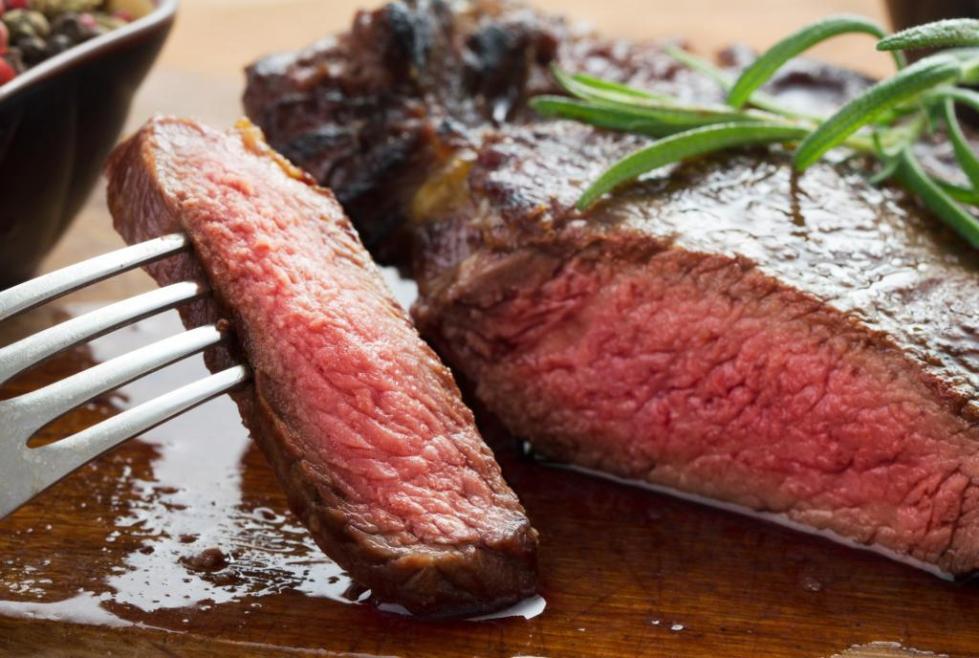 Непрожаренное мясо опасно