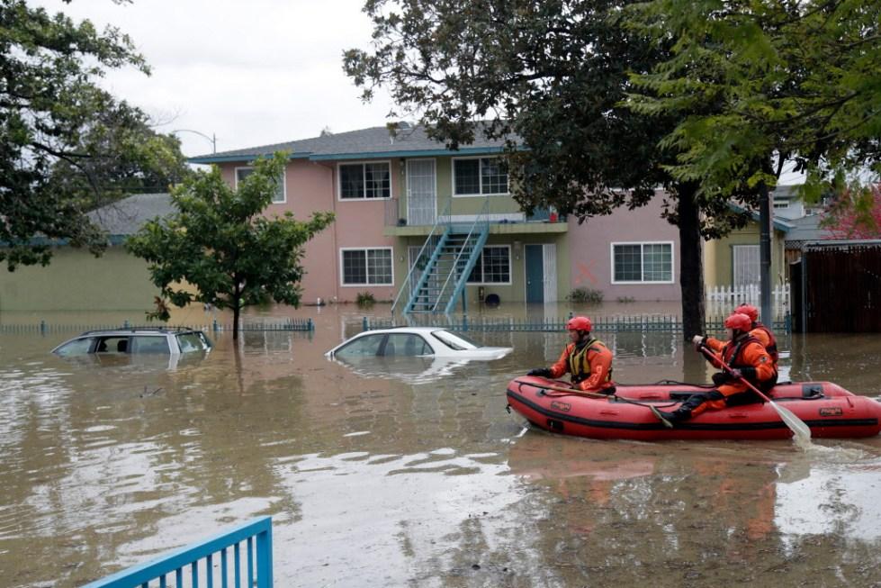 Действия населения при наводнении