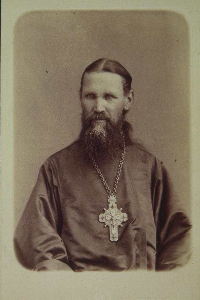 Фотографический портрет отца Иоанна