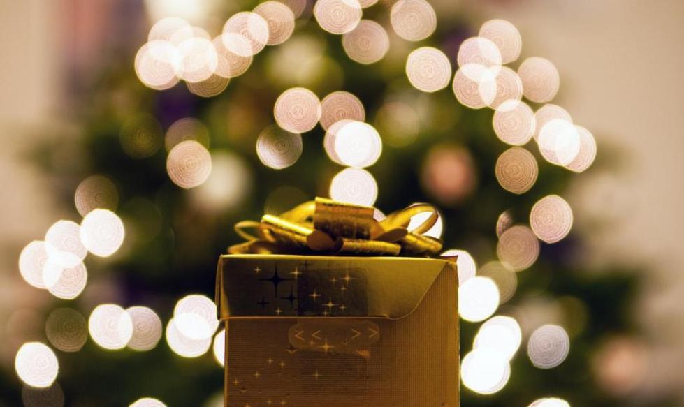 нельзя дарить подарки заранее примета