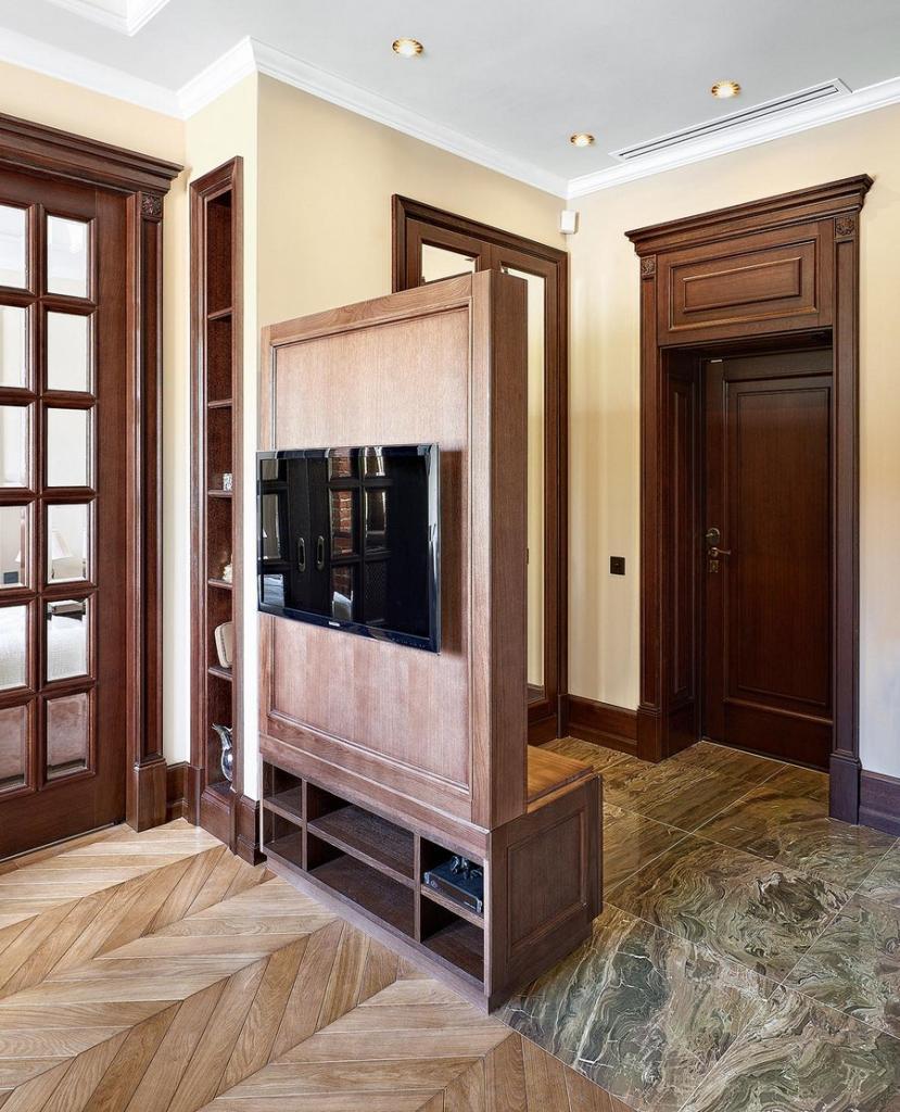 перегородка из дерева для зонирования комнаты