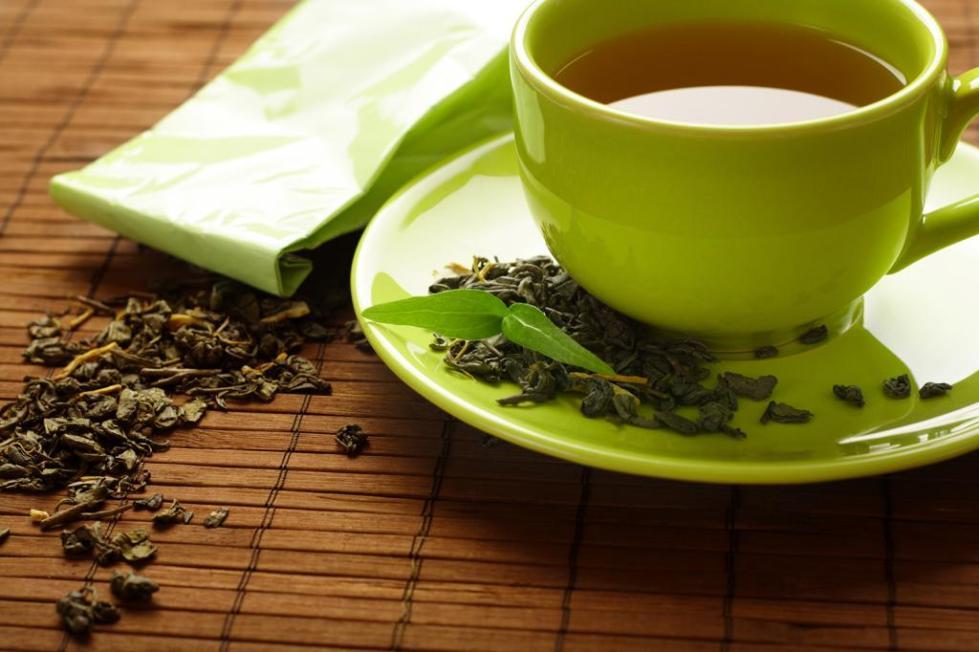 чай с саусепом в чашке