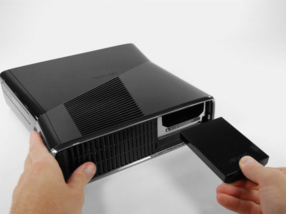 Извлечение HDD из консоли