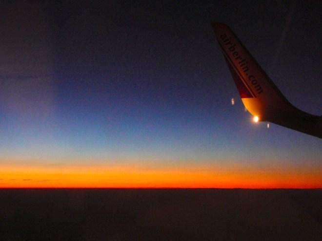 Das Leben kann so schön sein. Wenn man erst mal im Flieger sitzt.