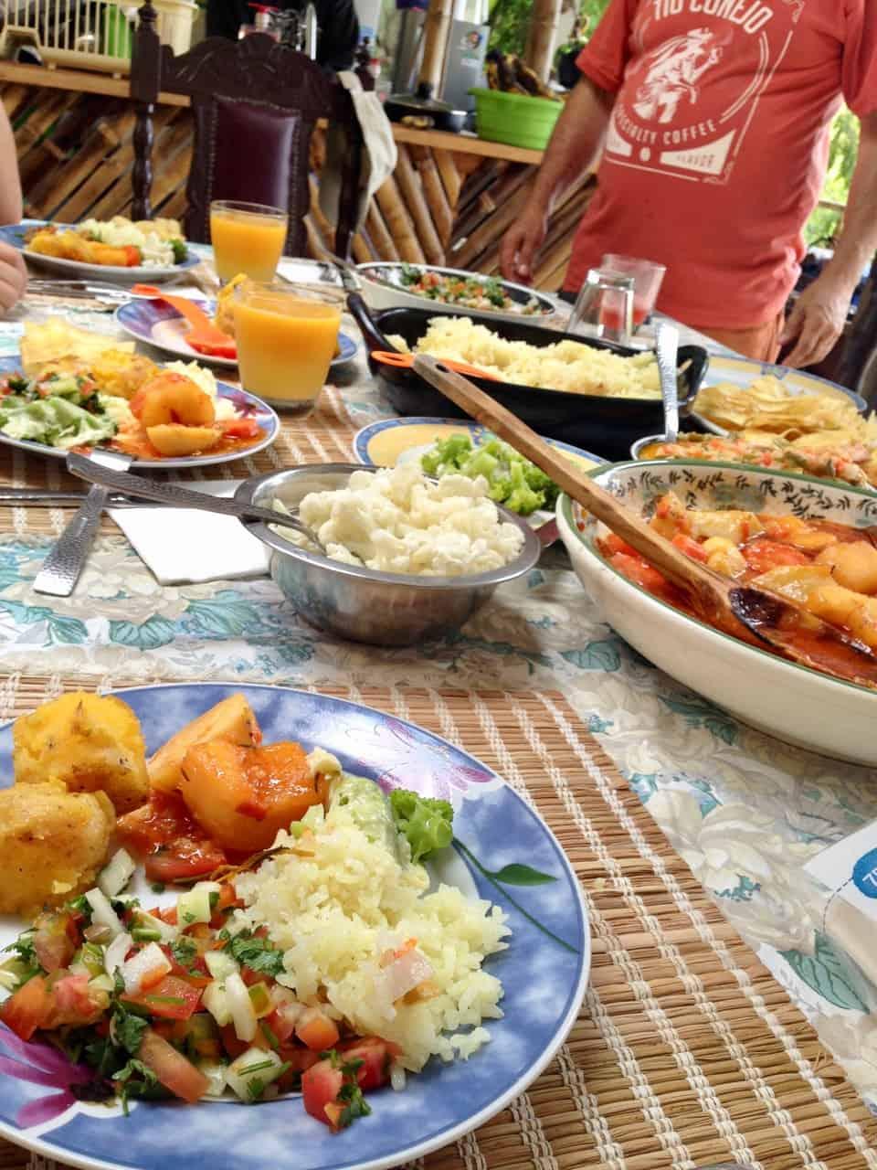 Mittagessen auf der Finca (Bild: M. Schäfer, Textrakt)