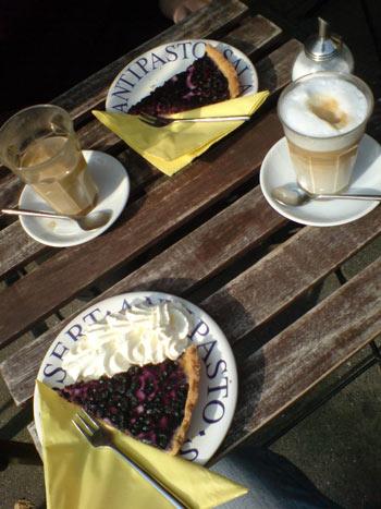 Blaubeertorte im Café du Passage
