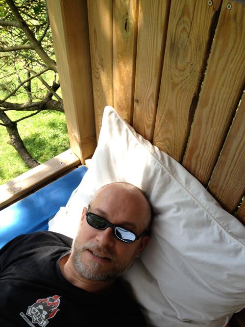 Markus im Baumhaus