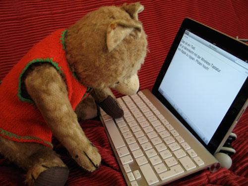 Martin ist total happy mit der Wireless-Tastatur am iPad