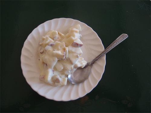 Nachtisch: Äpfel, Birnen, Nüsse & Mango-Jogurt