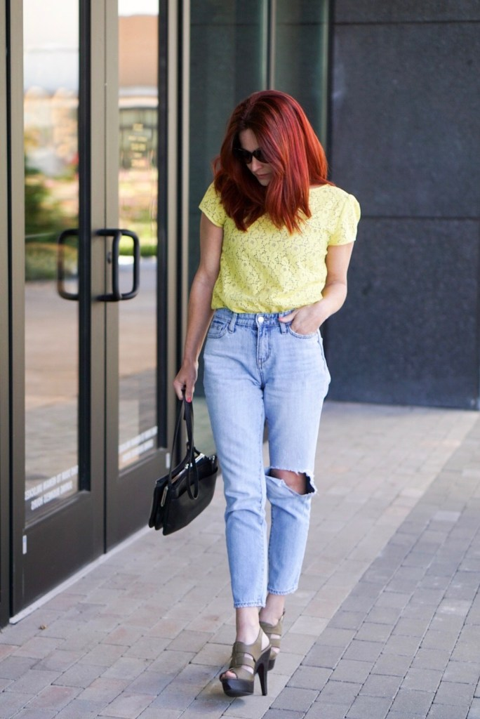 ON THE GO CASUAL CHIC, SPRING OUTFIT, LOFT TOP, OLD NAVY JEANS, CHARLOTTE RUSSE SANDALS